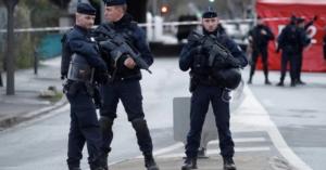 Γαλλία: Εγκρίθηκε ο νόμος που ποινικοποιεί τη φωτογράφιση αστυνομικών σε ώρα υπηρεσίας