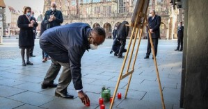 COVID-19: Η Γερμανία τιμά τα 80.000 θύματα της πανδημίας