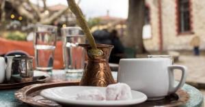 Ο ανεμβολίαστος στο καφενείο έφερε πρόστιμο στον ιδιοκτήτη και αναστολή λειτουργίας