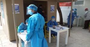 Σε εξέλιξη τα rapid test στο κέντρο του Ηρακλείου - τι έδειξαν τα πρώτα αποτελέσματα