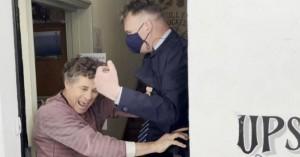 «Φύγε έξω από την παμπ μου» - Γιατί «έφαγε πόρτα» ο ηγέτης των Εργατικών Κιρ Στάρμερ