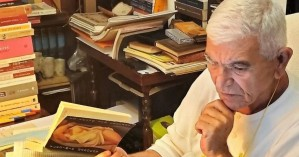 Πέθανε στα 69 του ο συγγραφέας, ποιητής και δημοσιογράφος Άγγελος Πετρουλάκης