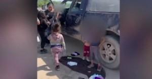 Φωτογραφία – γροθιά στο στομάχι με 5 εγκαταλελειμμένα παιδιά μετανάστες κάτω των 7 ετών