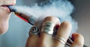 Ρωσία: Η κυβέρνηση σκέφτεται να απαγορεύσει τα υγρά για τα ηλεκτρονικά τσιγάρα