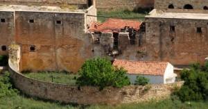 Γκρεμίστηκε κτίσμα στο Ιτζεδίν στη Σούδα Χανίων (φωτο)