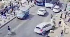 Εικόνες βίας από την Ιερουσαλήμ: Ισραηλινός οδηγός πέφτει πάνω σε Παλαιστίνιους