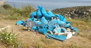 Ασυνείδητος πέταξε μπάζα σε περιπατητικό μονοπάτι στα Χανιά (φωτο)
