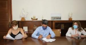 Δήμαρχος Χανίων: Υπέγραψε τη σύμβαση για αποκατάσταση του οδικού δικτύου στη Νέα Κυδωνία