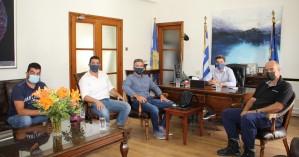 Στο Δημαρχείο Χανίων μέλη της Ένωσης Προσωπικού Λιμενικού Σώματος Δυτικής Κρήτης
