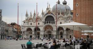 Ιταλία: Τέλος στις μάσκες σε εξωτερικούς χώρους από τις 28 Ιουνίου