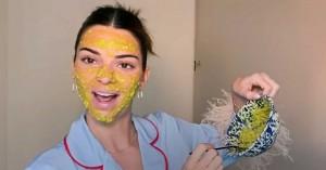 Η Kendall Jenner μόλις μας έδειξε πώς να κάνουμε την αγαπημένη της μάσκα με αβοκάντο