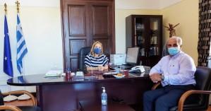 Με τον συντονιστή Πολιτικής Προστασίας Μ. Παραβολιδάκη συναντήθηκε η Μ. Κοζυράκη