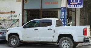 Χανιά: Παρκάρει όπου θέλει και όπως θέλει (φωτο)