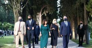 Τα ενδιαφέροντα ...πηγαδάκια στο Προεδρικό Μέγαρο (φωτο)