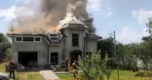 Αεροσκάφος συνετρίβη πάνω σε σπίτι στην Ουκρανία – Τέσσερις νεκροί