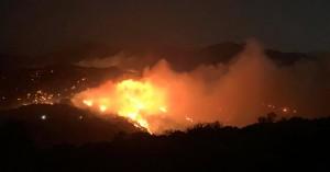 Και εναέρια μέσα για την κατάσβεση της φωτιάς στο Λασίθι (φωτο)