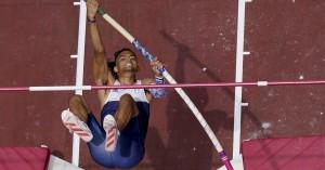 Ολυμπιακοί Αγώνες - Στίβος: Στον τελικό του επί κοντώ ο Καραλής, αποκλείστηκε ο Φιλιππίδης