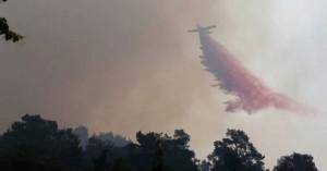 Φωτιά στην Αχαΐα: Ολονύχτια μάχη με τις πύρινες φλόγες – Έφτασαν στις αυλές των σπιτιών