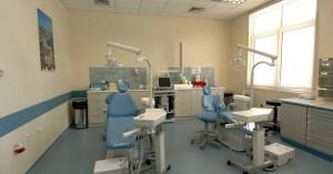 Αντιδρούν οι οδοντίατροι για το rapid test σε εμβολιασμένους και μοριακό σε ανεμβολίαστους