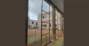 Υποστύλωση κολόνων στο παλαιό κτίριο του Α΄Δημοτικού σχολείου Αγίου Νικολάου
