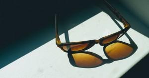 5 λόγοι για να φοράτε γυαλιά ηλίου κατά τους κρύους μήνες