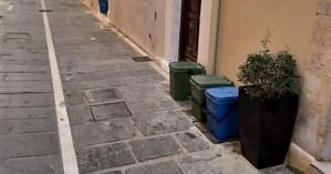 Τοποθετήθηκαν μικροί κάδοι απορριμμάτων στην παλιά πόλη του Ρεθύμνου