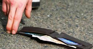 Άξιοι! Παιδιά από την Κρήτη βρήκαν και παρέδωσαν πορτοφόλι μετά την παρέλαση