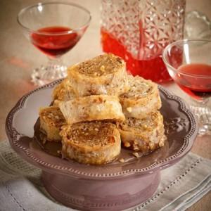 Ρολά μπακλαβά με αμύγδαλα και μέλι