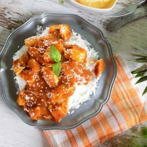 Γλυκόξινο κοτόπουλο με ανανά και πιπεριές