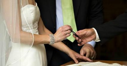 Συνέβη στο Βόλο: 23χρονος ζήτησε από 40χρονο το χέρι... της συζύγου του!