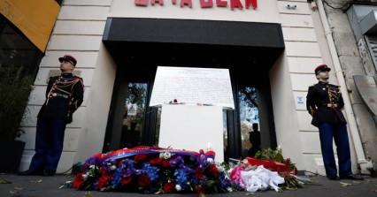 Μπατακλαν: Δεν ξέχασαν τα θύματα του μακελειού στο Παρίσι οι Γάλλοι