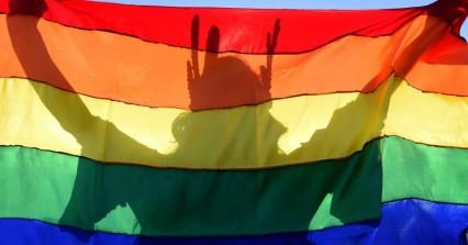 Ρωσία: Πρόστιμο σε δημοσίους υπαλλήλους που επέτρεψαν την υιοθεσία σε ομόφυλο ζευγάρι