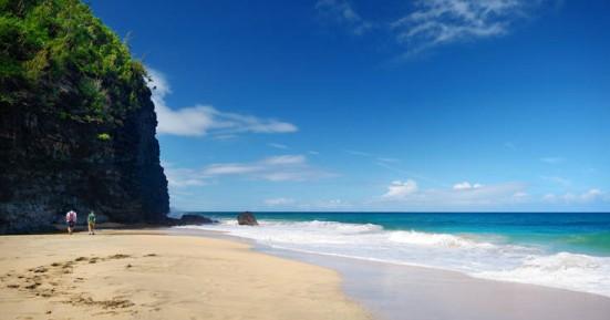 Σε αυτήν την παραλία στη Χαβάη δε θα θέλατε να κολυμπήσετε ποτέ