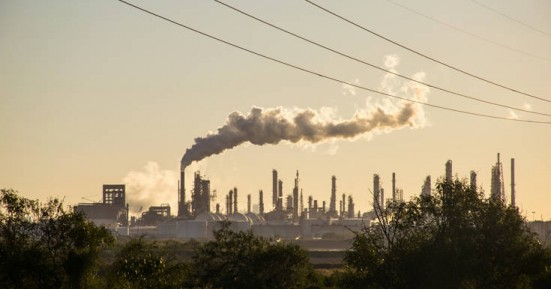 Να ποιος χρηματοδοτεί το κίνημα που αρνείται την κλιματική αλλαγή