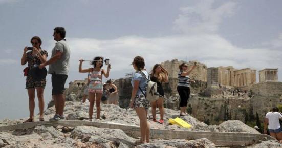 Μείωση έως 30% των τουριστικών αφίξεων το 2020 λόγω κορονοϊού