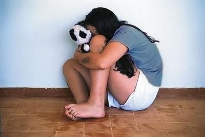 Σοκ στον Κουρνά: «Πα-τέρας» κακοποιούσε σεξουαλικά τις ανήλικες κόρες του