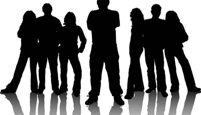 Οφείλουν οι νέοι,ενωμένοι, να διεκδικήσουν μία νέα πολιτική για τους ίδιους