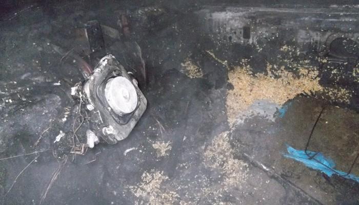 Πανικός σε δρόμο της Κρήτης - Όχημα εν κινήσει τυλίχθηκε στις φλόγες