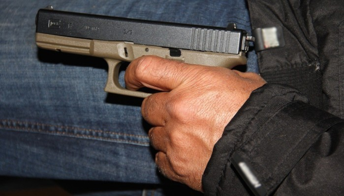 Εισέβαλαν σε σπίτι οικογένειας στον Αποκόρωνα και άρχισαν να πυροβολούν