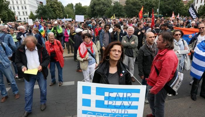 Οι Γερμανοί βγήκαν στους δρόμους υπερ της Ελλάδας