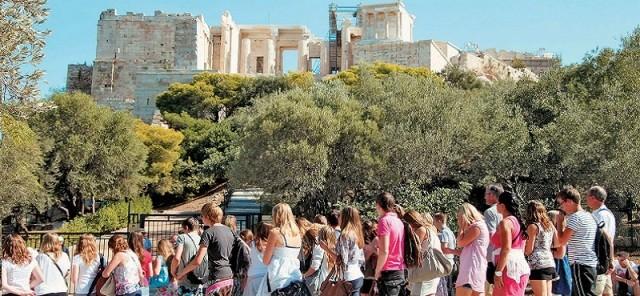 Αύξηση της ζήτησης για πτήσεις προς Ελλάδα από τη Βρετανία