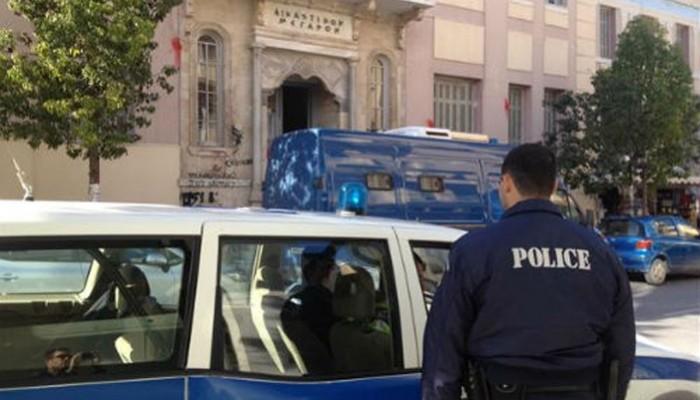Στον ανακριτή οι συλληφθέντες για το κύκλωμα διακίνησης μεταναστών