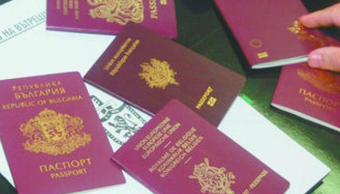 Δεκαοκτώ συλλήψεις για πλαστά διαβατήρια στο αεροδρόμιο Ηρακλείου