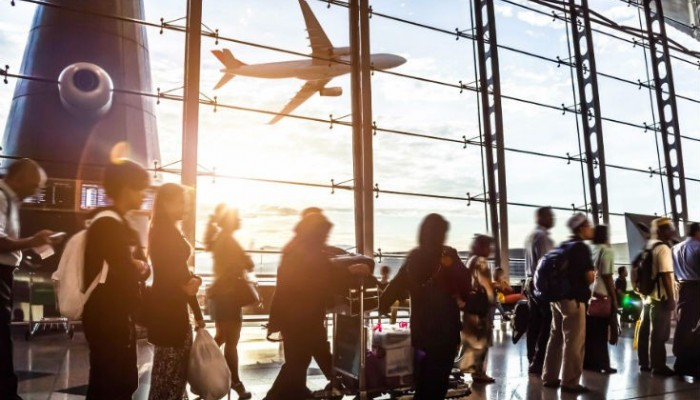 Κοσμοσυρροή στο αεροδρόμιο Ηρακλείου τον Ιούνιο