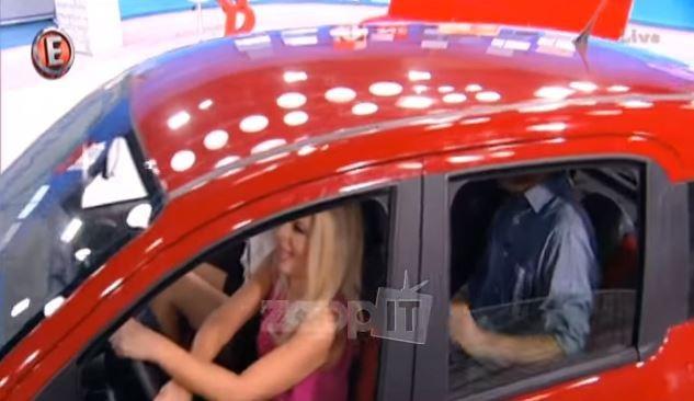 Η Αννίτα Πάνια τράκαρε αυτοκίνητο μέσα στο πλατό της εκπομπής
