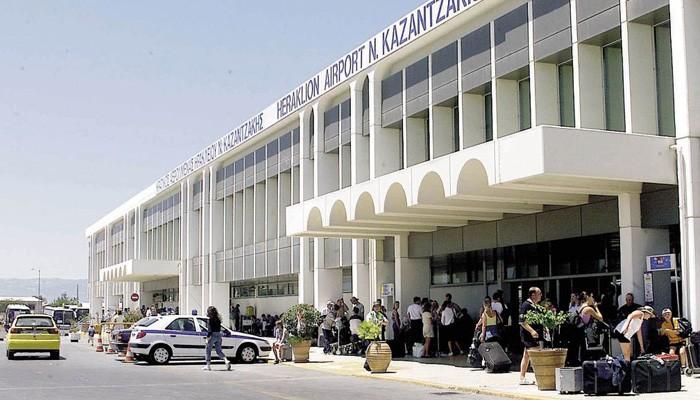 Δεκάδες συλλήψεις για πλαστά διαβατήρια στο αεροδρόμιο Ηρακλείου