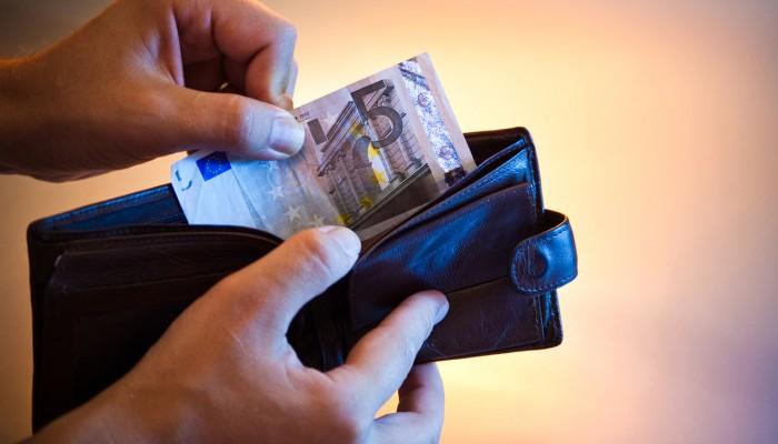 ΣΕΒ: Δραματική η μείωση του διαθέσιμου εισοδήματος των νοικοκυριών