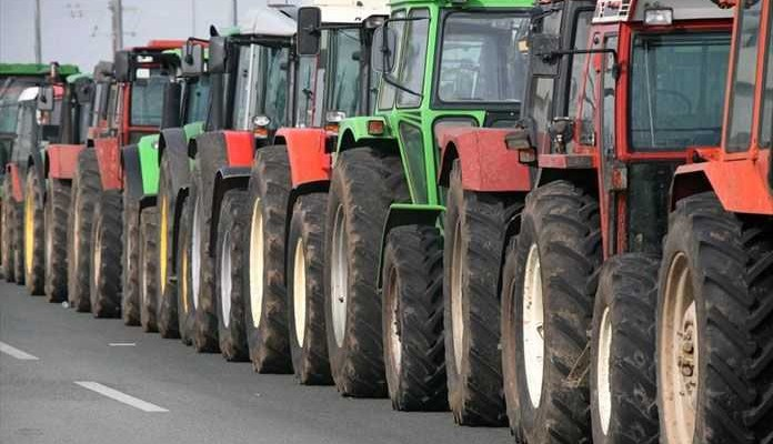 Ηράκλειο: Αποφασισμένοι οι αγρότες - Κλείνουν τον κόμβο με τα τρακτέρ