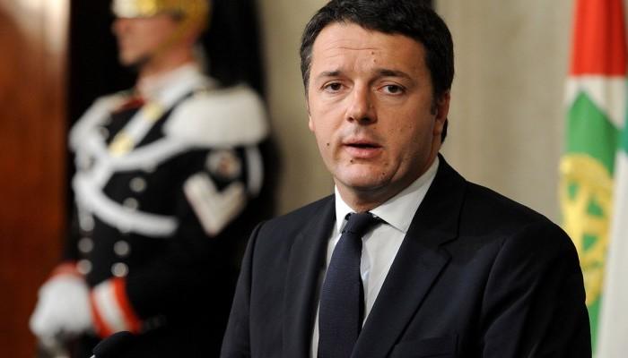 Ρέντσι: Η Ιταλία κινδυνεύει να βυθιστεί στην ύφεση αν γίνουν πρόωρες εκλογές
