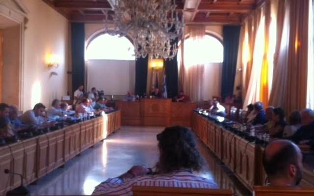 Υπέρ της απόφασης της ΠΕΔ για το προσφυγικό,το δημοτικό συμβούλιο Ηρακλείου
